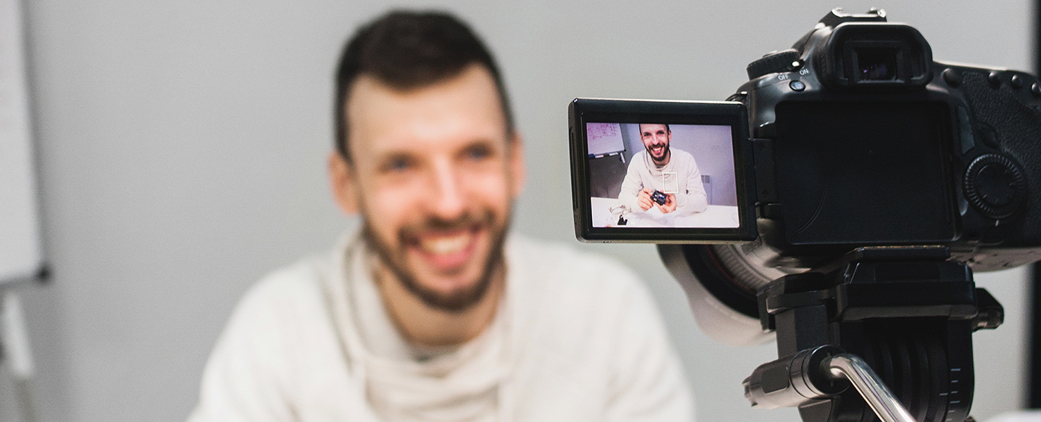 The best way to shoot a video by yourself